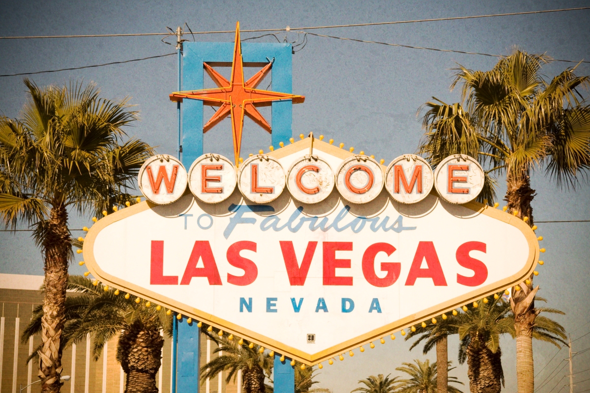 Las Vegas, 3 Kids, Pirates and Pee